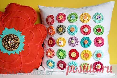 Украшаем подушки цветами
