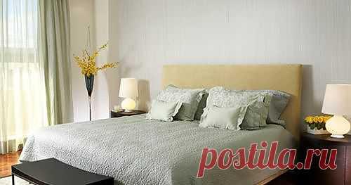 Спальня с желтыми цветами