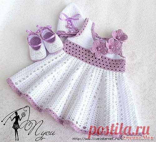 Детское ажурное платье связанное крючком.