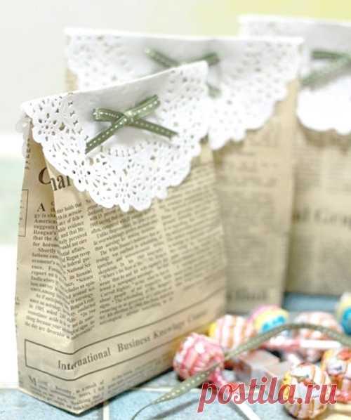 Упаковываем подарки... в газету :) (Мастер-класс по клику на фотографию).