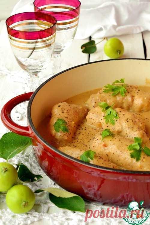 Свиные рулады с яблоком и грудинкой – кулинарный рецепт