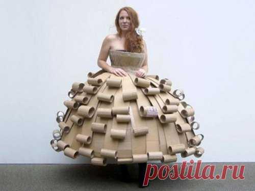 платье из...? напишите ваши догадки...