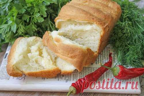 ИТАЛЬЯНСКИЙ ХЛЕБ СО СЛИВОЧНЫМ МАСЛОМ   Сочный, воздушный и пышный итальянский хлеб очень легко приготовить и на вашей кухне, если вы знаете его рецепт! Он получается настолько вкусным, что нет нужды на него дополнительно намазывать сливо…