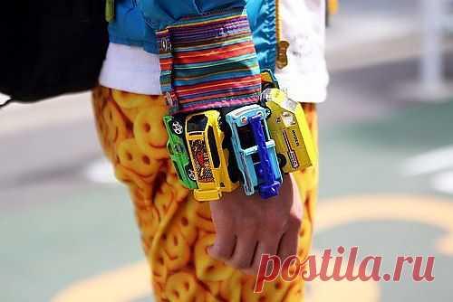 Браслет из детских машинок / Креатив / Модный сайт о стильной переделке одежды и интерьера