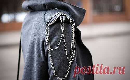 Плечи с кожаными накладками и цепочкой / Пальто и плащ / Модный сайт о стильной переделке одежды и интерьера