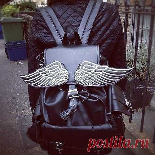 Окрыленный рюкзак / Сумки, клатчи, чемоданы / Модный сайт о стильной переделке одежды и интерьера
