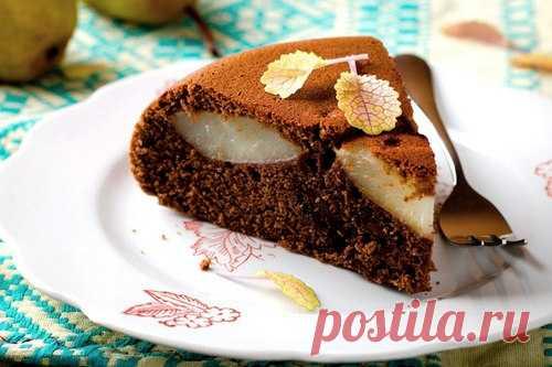 Ароматный пирог «Груши в шоколадном бисквите»   Ингредиенты:  Мука 200 г.  Сахар 75 г.  Показать полностью…