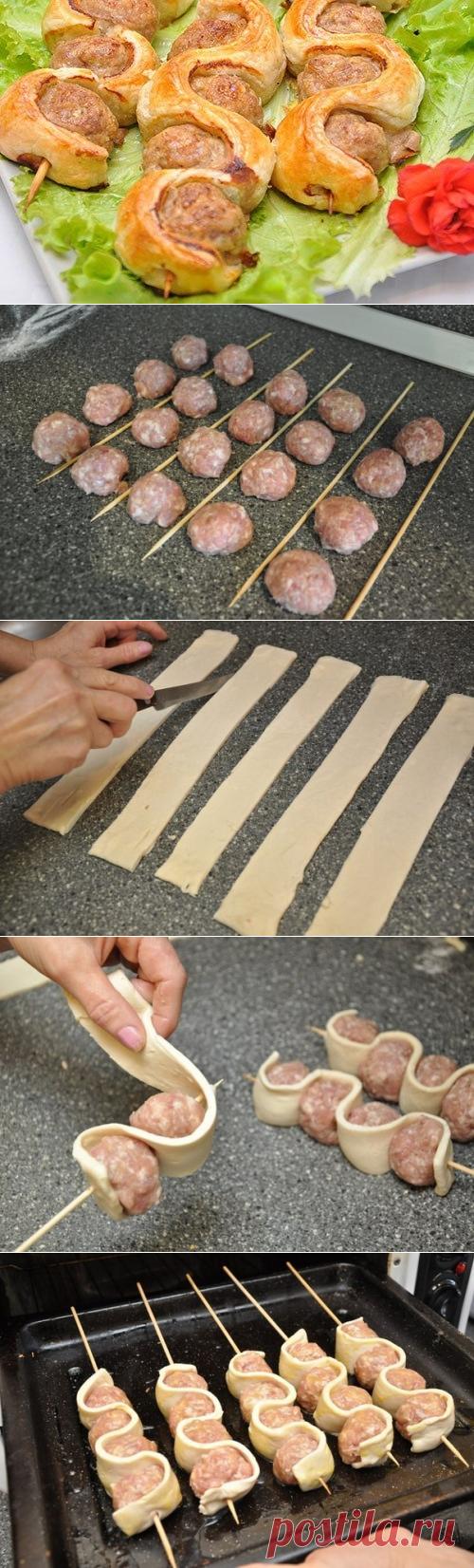 Шашлыки - фарш и тесто - на шпажках
