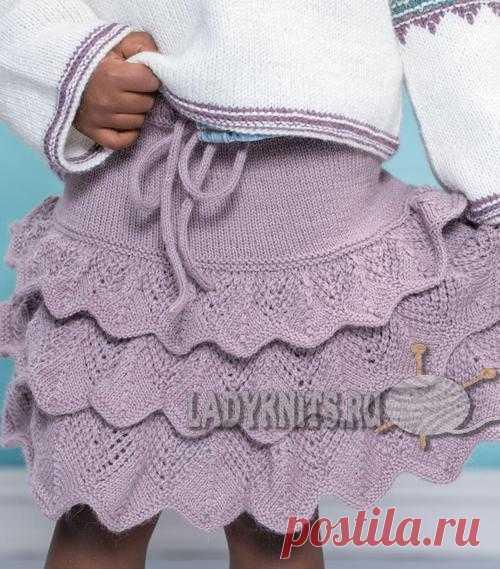 Вязанная спицами юбка с воланами для девочки от 2 до 8 лет