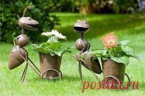Позитивная садовая скульптура