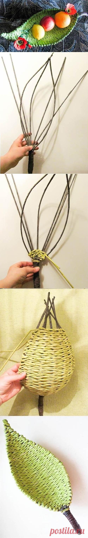 Плетём корзинку из бумаги в форме листа