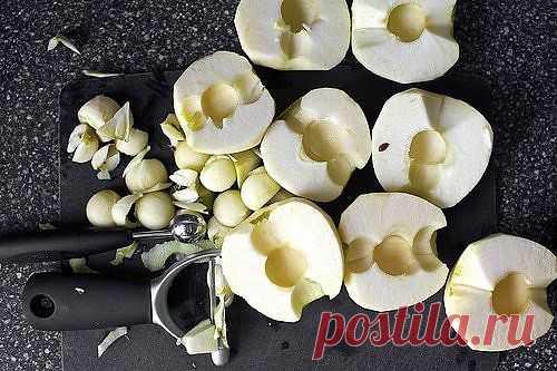 Яблочный карамельный пирог