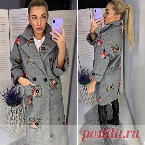 Кашемировое пальто с вышивкой