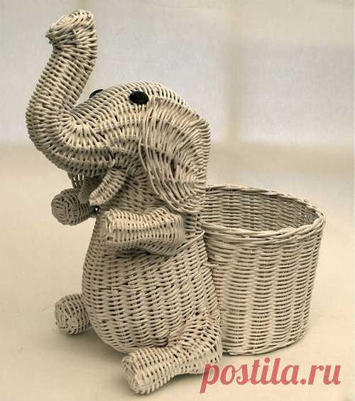 Elephant white wicker basket by @kickshaw liked by...   Wicker Paradise's Blog of Wicker   We Heart It   animal, basket, and elephant