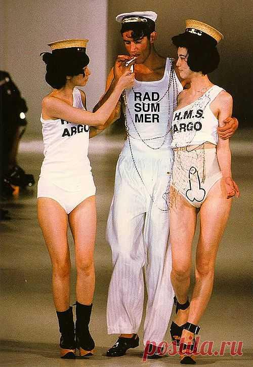 Ограничение 16+ / Рисунки и надписи / Модный сайт о стильной переделке одежды и интерьера