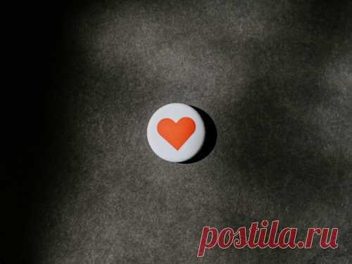 Картинки-обои нателефон икомпьютер для привлечения любви Вфэн-шуй есть много советов, как привлечь любовь исчастье. Один изсамых простых способов— поставить наэкран телефона или компьютера правильную заставку.