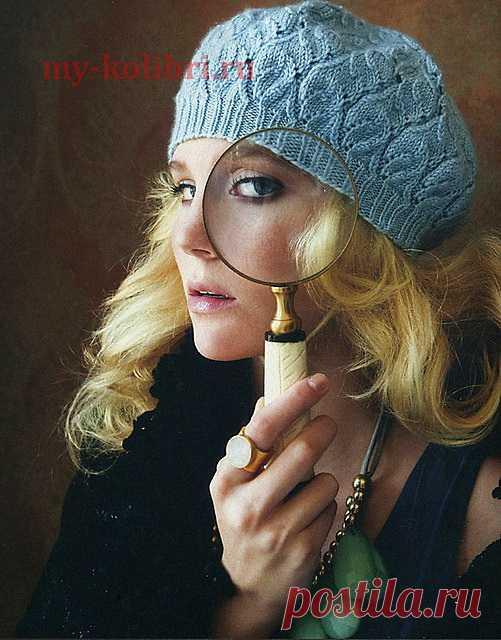 Очаровательный берет спицами из Vogue.