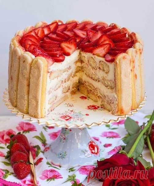 Воздушный торт «Клубничный Тирамису»