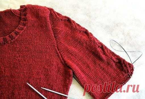 We knit a sleeve from above. MK\u000a\u000aWe gather loops around all armhole, we begin from \
