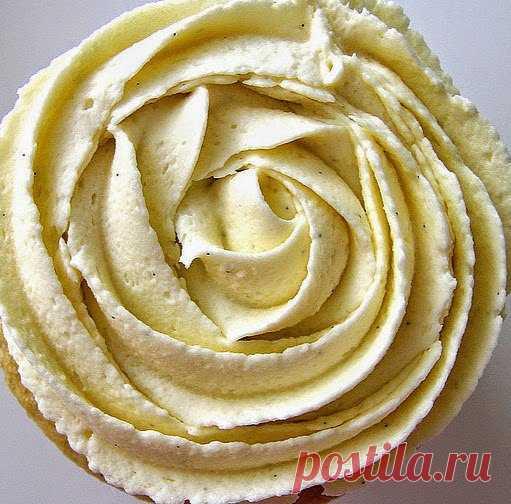 Один из лучших рецептов крема для украшения тортов, капкейков! Этот крем - самый удачный из всех мной опробованных, пользуюсь теперь только этим рецептом. Украшаю торты, пирожные, капкейки. В этом рецепте немного больше масла, чем обычно, чтобы крем лучше держал форму после украшения. Постаралась описать все подробно, чтобы у вас тоже получилось красиво и вкусно!