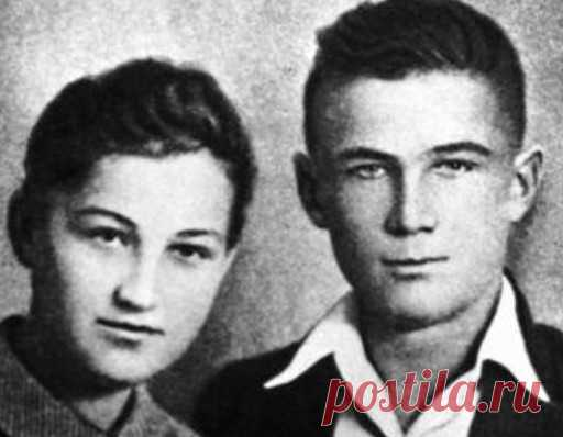 Alexander Kosmodemyansky: as the brother for death of the sister revenged\u000d\u000aThe guerrilla and the Hero of the Soviet Union (posthumously) Zoya Kosmodemyanskaya (1923-1941) before the execution told fascists that for her death companions will revenge. And it happened. For death of the girl Red Army man and saboteur revenged. Made it including her younger brother, the Hero of the Soviet Union Alexander Kosmodemyansky.