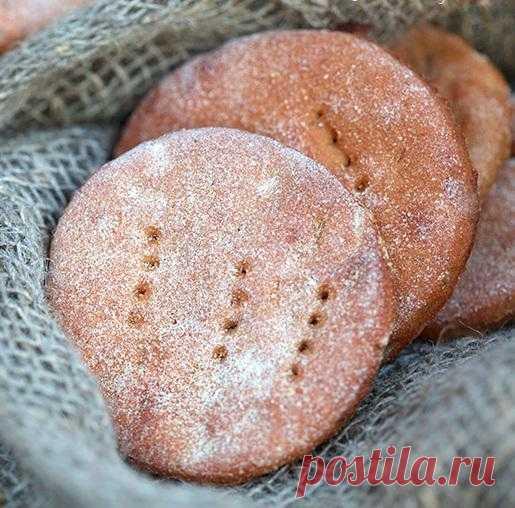 """Финские ржаные лепешки """"hapan ruisrieska""""."""