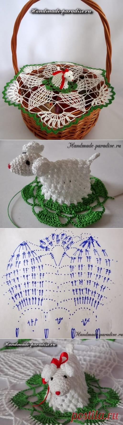 Салфетка крючком с пасхальной овечкой