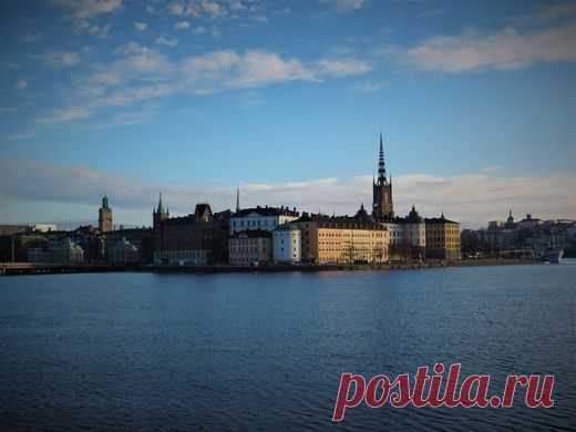 Стокгольм - город необыкновенный. Старый город (Gamla Stan) - исторический центр Стокгольма, центр со старинными улочками и средневековыми строениями.