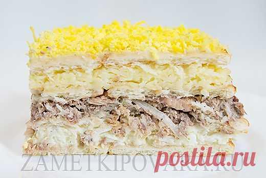 Закусочный торт из крекеров с консервированной рыбой   Простые кулинарные рецепты с фотографиями