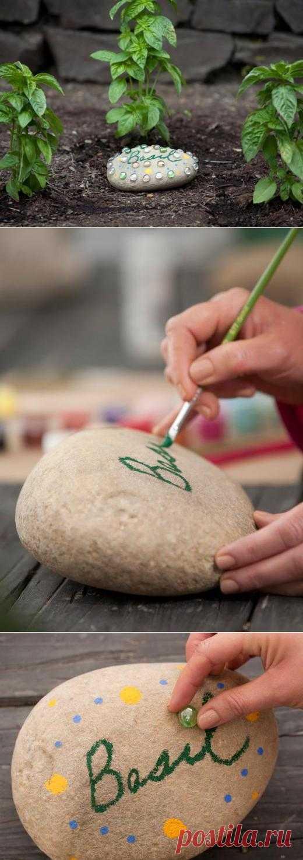 Как сделать красочные декоративные камни для сада своими руками