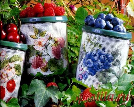 """Милые сердцу штучки: Вышивка крестом: """"Три ягодных дизайна"""""""