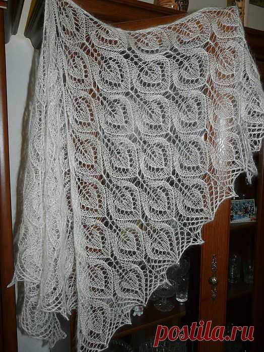 Ажурная шаль спицами - схема и описание.