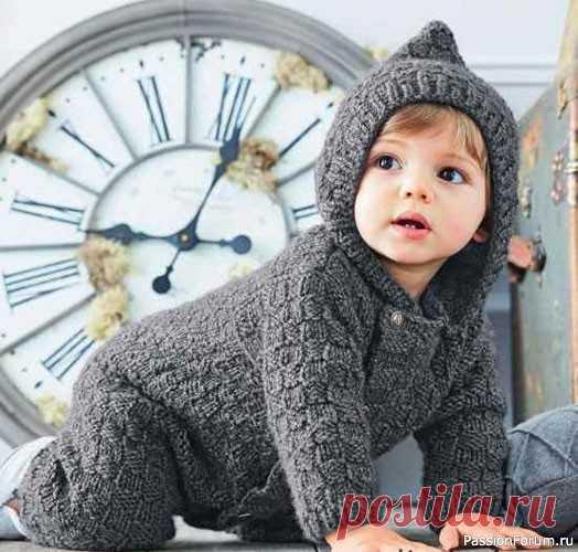 Комбинезон с капюшоном для малышей до 12 месяцев | Вязание спицами для детей