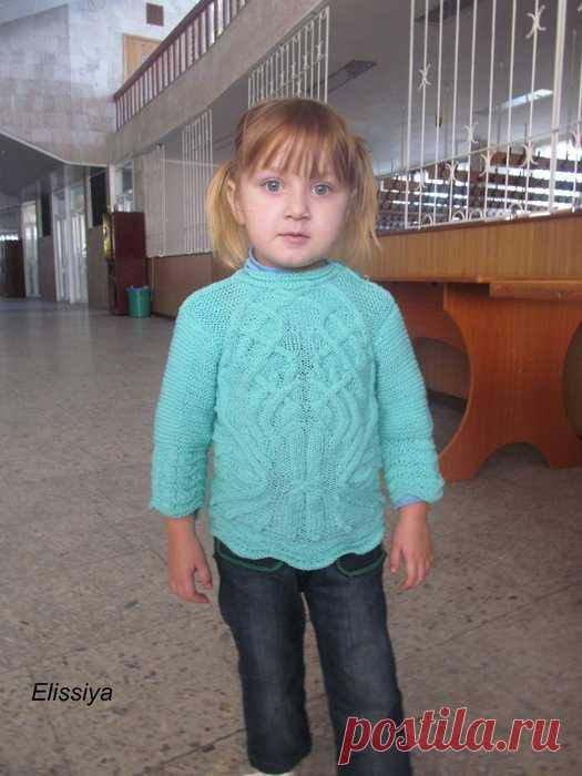 Детский свитерок спицами