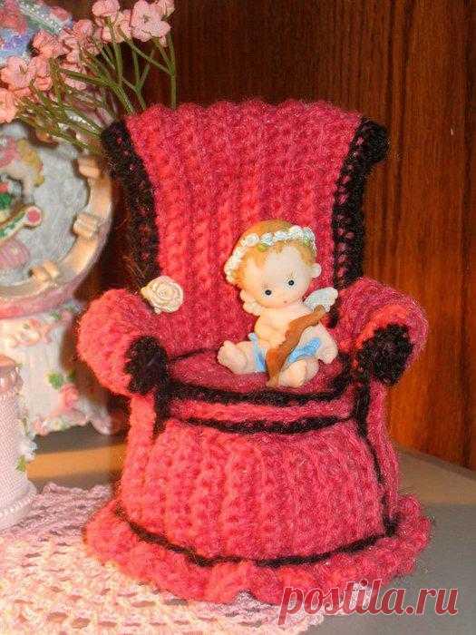 Кресло для кукол..