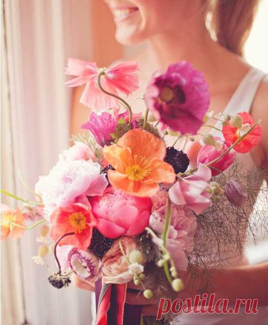 Дарите цветы близким людям! Приносите радость! Выражайте любовь!