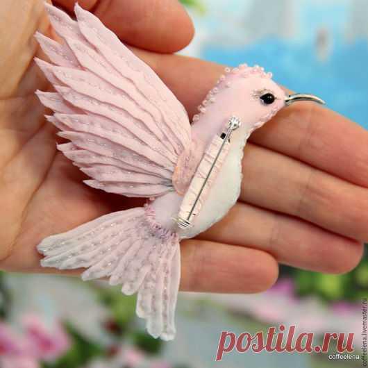 Купить Брошь-колибри «Розовый кварц». Шёлковая брошь-птичка. - брошь птица