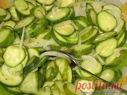 Необычный салат из огурцов.