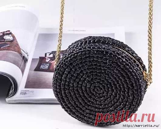 0f60824149fb Крючком. Маленькая круглая сумочка из полиэтиленовой пряжи | Вязание ...