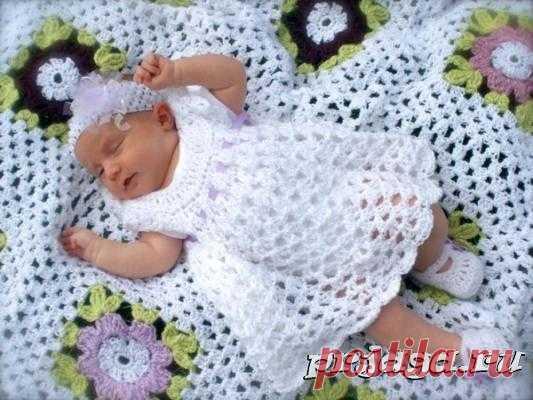 Платье крючком для новорожденной