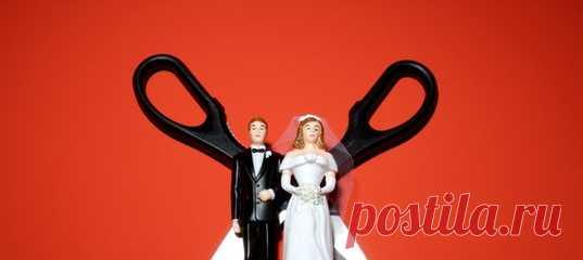Расставание — серьезная травма и для женщин, и для мужчин, однако последним зачастую удается мобилизоваться и выйти из болезненной ситуации с меньшими потерями. Почему мы переживаем развод настолько по-разному? #мужчинаиженщина #психологияотношений #развод