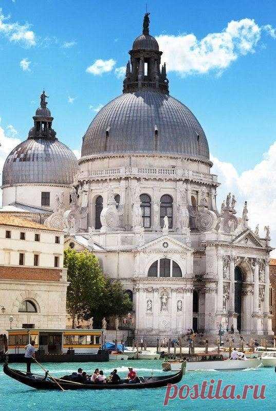 Восхитительная Венеция. Собор Санта-Мария делла Салюте. Воздвигнут в 1631–1681 годах. Италия
