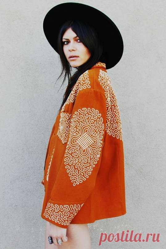 Пальто с декором из сутажа Модная одежда и дизайн интерьера своими руками