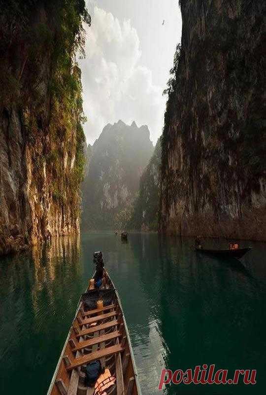 Эта страна находится на втором месте в мире по объему вылавливаемой рыбы и морепродуктов. Имя ей - Тайланд