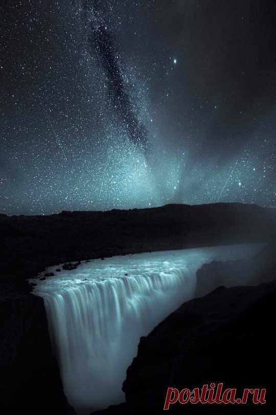"maureen2musings: ""Milky Way at Dettifoss drenday """