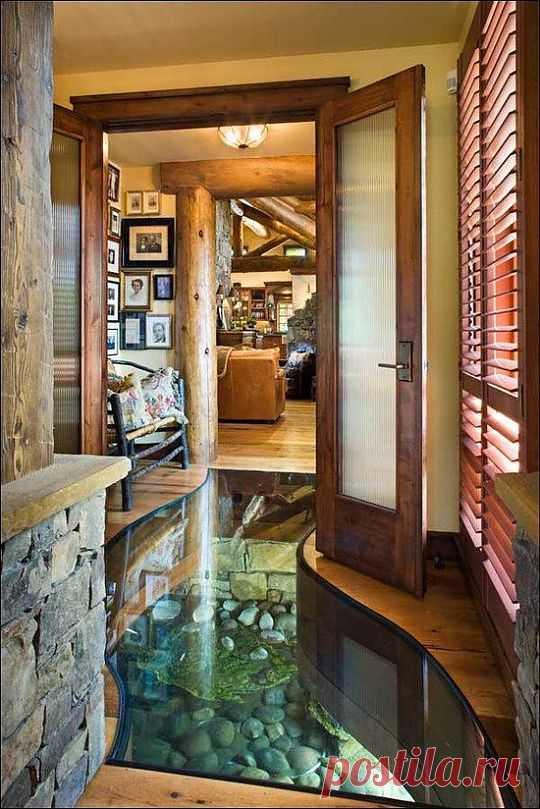 Дом на воде. Стеклянный пол