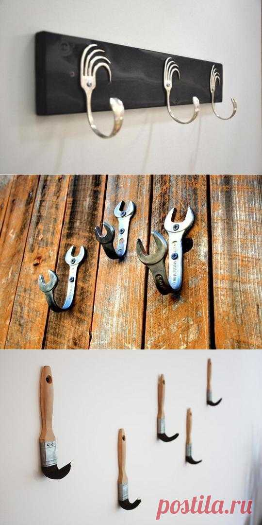 Настенные вешалки своими руками: а какую вещь вы бы приспособили для того, чтобы повесить одежду? Вариантов много.