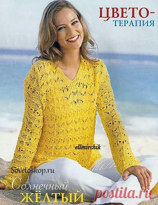 Пуловер из ажурных узоров.