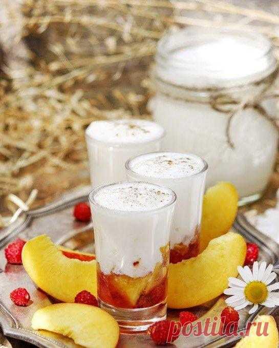 Йогурт с персиками и земляникой!