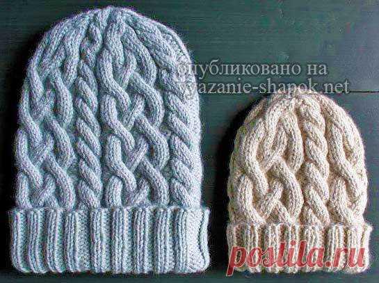 вязаная шапка с косами круговыми спицами вязание шапок модные и